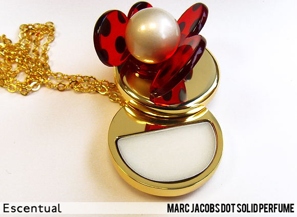 Marc Jacobs Dot Solid Perfume Open