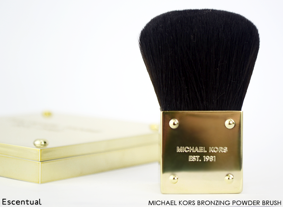 Michael Kors Bronzing Powder Brush
