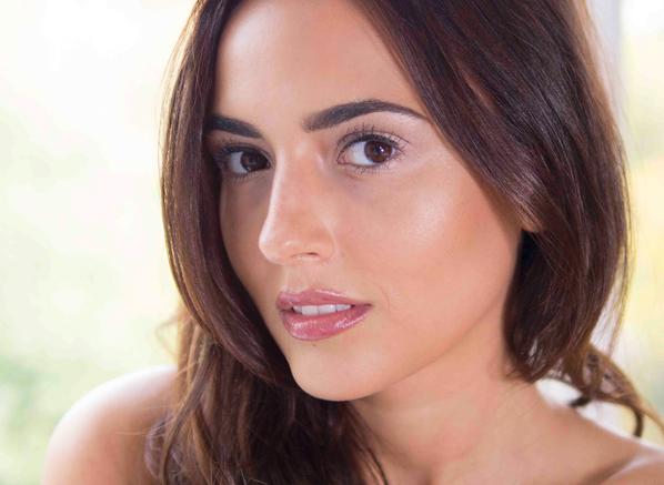 Nadia Forde - Kylie Jenner Look