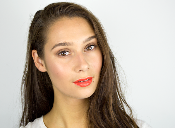 Ceryn-Wearing-DIOR-Rouge-Dior-Lipstick-In-Shade-643-Stand-Out-Swatch