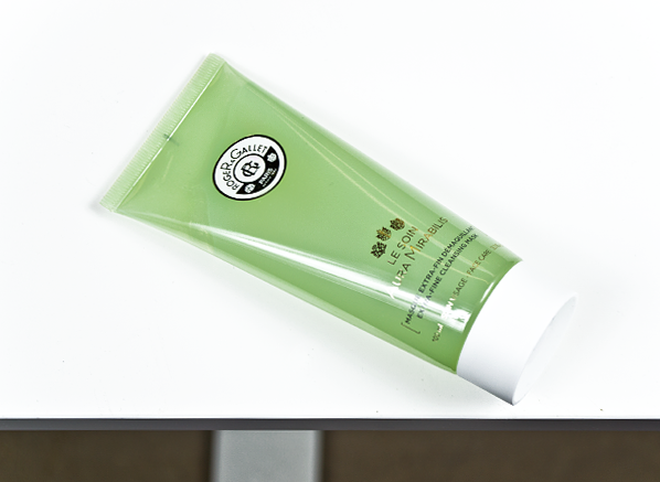 Roger & Gallet Aura Mirabilis Extra Fine Cleansing Mask Product Shot