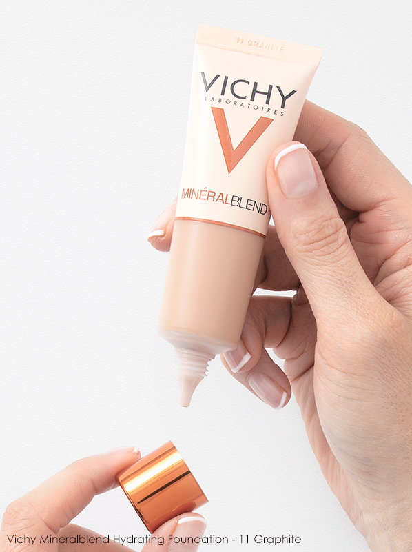 Best Glow Foundation Under £20 Vichy Mineralblend Hydrating Foundation