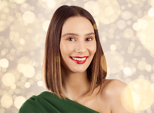 How To Nail Christmas Makeup With Only...