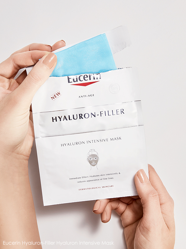 Image of model holding Eucerin Hyaluron-Filler Hyaluron Intensive Mask 1 x Mask