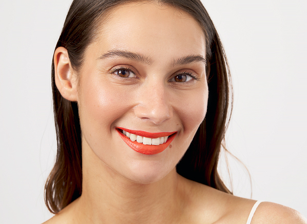 5 Ways to Wear the Season's 'IT' Shade on Your Lips