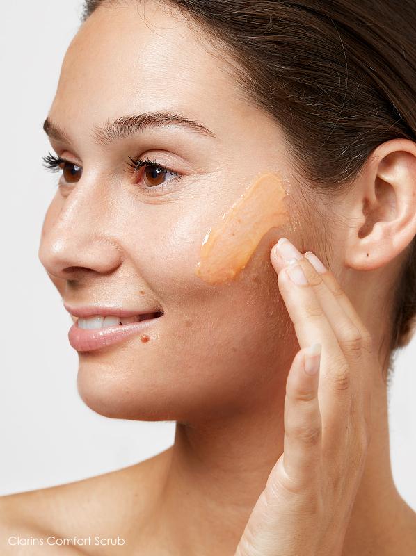 Fake Tan Tips: Exfoliate Head to Toe - Clarins Comfort Scrub