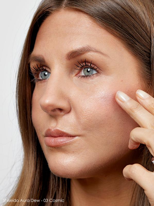 Best Cream Highlighter: Shiseido Aura Dew