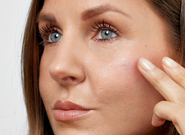 Best Cream Highlighters For A Natural...