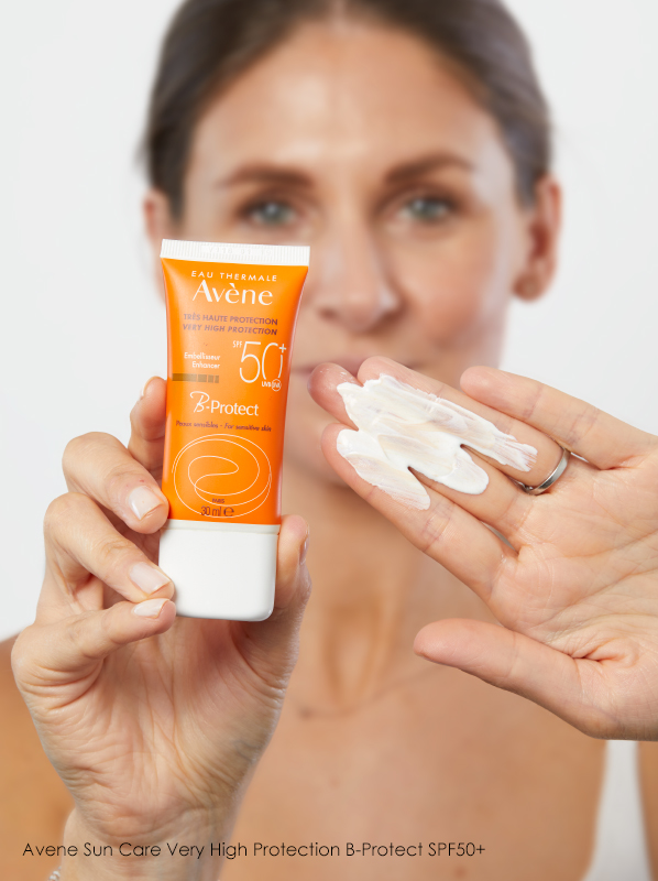 What is the correct order to apply skincare in the morning?