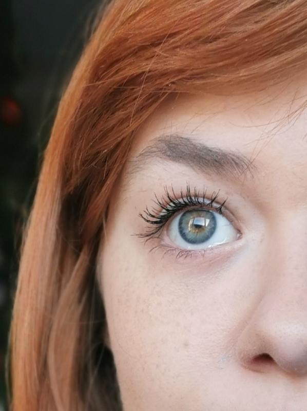 January Fresh-Faced Makeup: Benefit Roller Lash Mascara