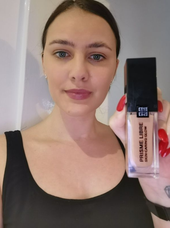 Monthly Beauty Favourite: GIVENCHY Prisme Libre Skin-Caring Glow Foundation