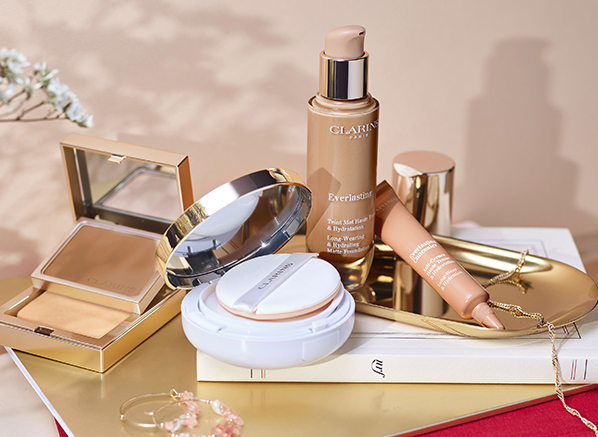 Clarins Everlasting Long-Wearing & Hydrating Matte Foundation Review