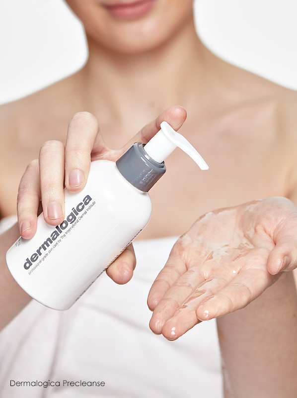 Swatch image of Dermalogica Precleanse makeup remover's clear oil